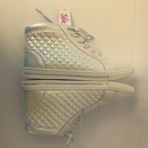New Size 9 Ladies White Hightop Sneakers NWT/EUC
